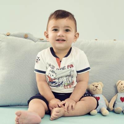 Baby boys 0-2 years